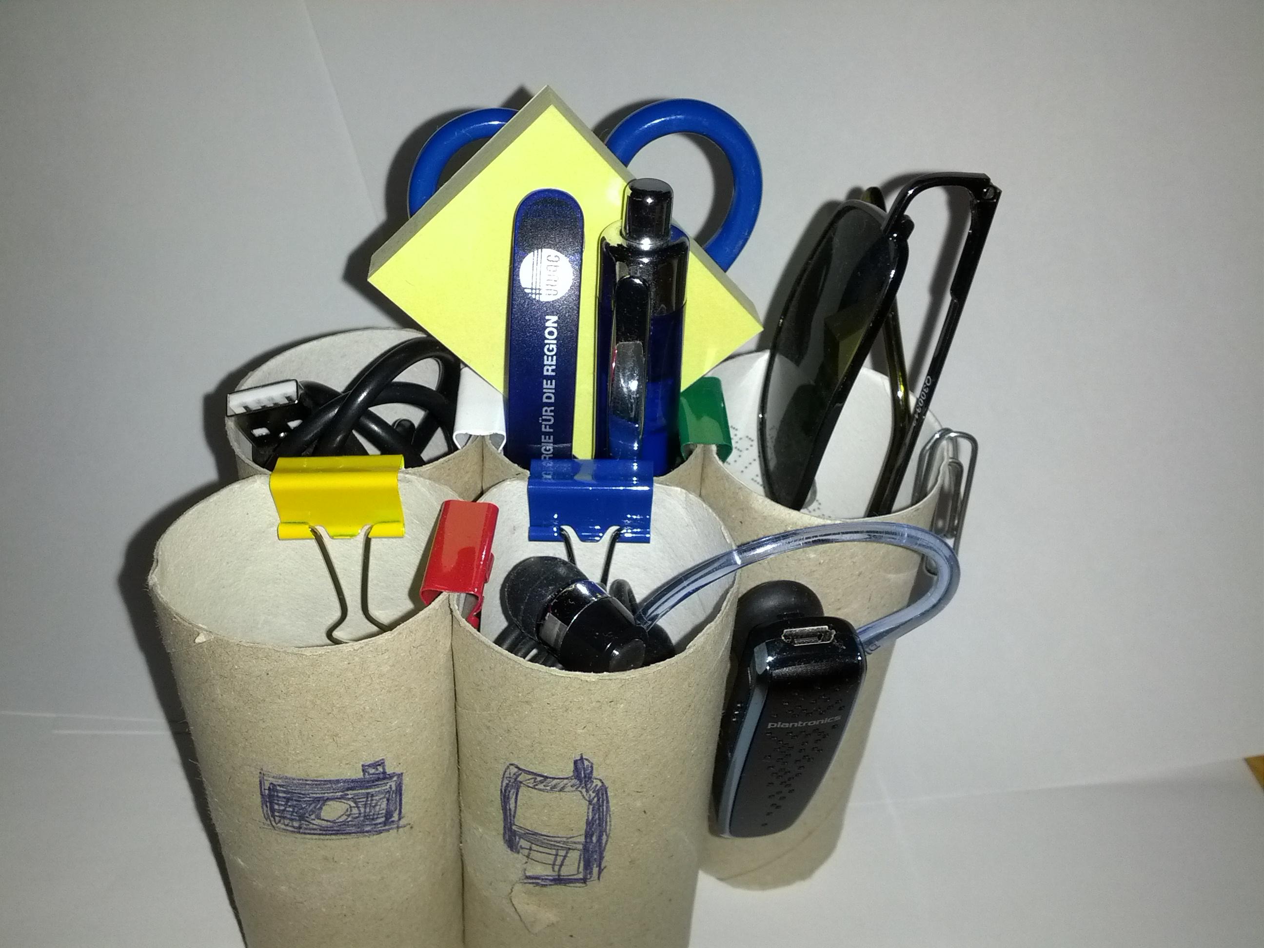 Stift- und Kabelhalter