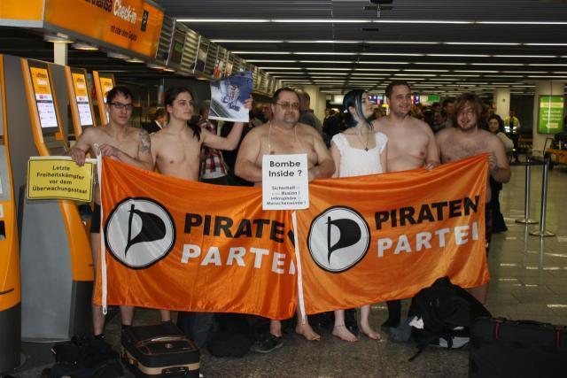Flashmob am Frankfurter Flughafen